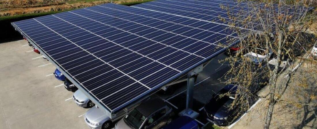 ombrières de parking photovoltaïque Eneria Montlhéry